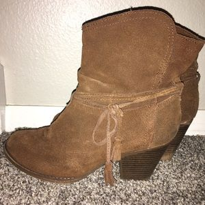 Soft suede Mia booties